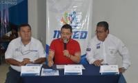 El Alcalde junto al Presidente de la Federación de Motonáutica y el jefe del Inred anunció los detalles del evento.