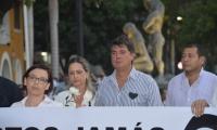 Manuel Julián Dávila, acompañando la pacífica marcha.
