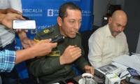 Coronel Gustavo Berdugo y director seccional de Fiscalía, Vicente Guzmán, en una rueda de prensa.