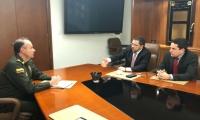 Reunión entre Alcalde, Secretario de Seguridad y Subdirector de la Policía Nacional.