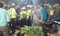Operativo contra conductores que parqueaban motos en el Parque de los Novios.