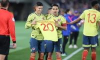 James Rodríguez y Falcao García dedican el gol a Juan Fernando Quintero.