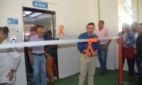 El ascensor de pasajeros fue inaugurado el pasado miércoles por el alcalde Rafael Martínez.
