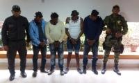Los detenidos supuestamente venían extorsionando a los ganaderos de la zona.
