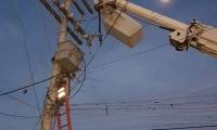 Los postes no soportan tanto cable.