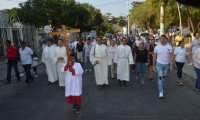 Procesión y Viacrusis de la Iglesia Nuestra Señora de Fátima