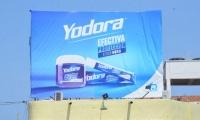 Este primero de mayo apareció la valla de una publicidad de Yodora, en vez de la de Fuerza Ciudadana.