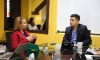 Reunión entre gerente de Essmar, Ingrid Aguirre y El ministro de Vivienda, Ciudad y Territorio, Jonathan Malagón