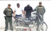 Hermanos capturados portando arma de fuego sin documentos