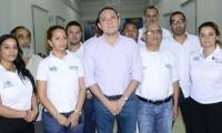Antonio Sanguino y los funcionarios en huelga.