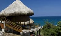 La Concesión Tayrona opera los servicios ecoturísticos en Cañaveral y Arrecifes.