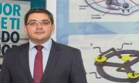 Profesor Jose Luis Ramirez Arias, creador del dispositivo.