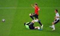 Esta es una de las mejores postales de su carrera, en esa oportunidad marcó el gol que le dio la Eurocopa del 2008 a España.