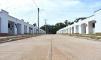 Estas casas son adaptadas al cambio climático, lo que significa que están construidas para prevenir inundaciones.