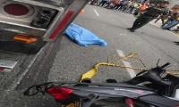 Accidente en la entrada al barrio El Pueblito.