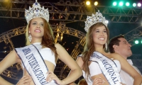 Kiara Rodríguez, Reina Internacional del Mar y Jessica Gutiérrez Peña, Reina Nacional del Mar en el año 2010.