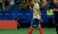 El lateral izquierdo erró su cubro ante Chile y Colombia quedó eliminada de la Copa.