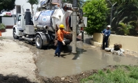 Controlan rebosamiento de alcantarillado en Bello Horizonte