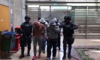 Policías capturados en Medellín