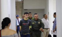Santiago Castro Molina a la entrada de la diligencia judicial.