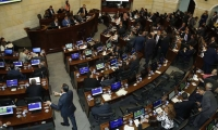 Un parlamentario gana $32 millones 741 mil 755, mientras que un trabajador colombiano devenga $828 mil 116.