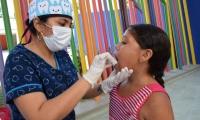 La jornada de vacunación se realizó en el coliseo de Gaira.