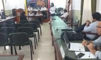Torres y Velásquez criticaron el aumento de contrataciones en personal de la actual administración departamental.