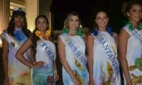 Algunas candidatas al Reinado Nacional del Mar con los diseños de Pilar Espina.