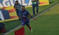 Arias reemplazará a Márquez en el frente de ataque.