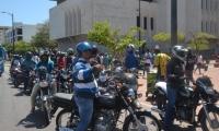Mototaxistas de Santa Marta