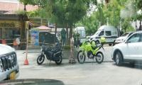 La Policía acordonó la zona por protocolo hasta saber si había o no un artefacto explosivo.