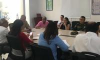 Reunión de autoridades donde se creó la mesa técnica para atender invasión de espacio público.