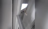 Los ladrones hicieron un hueco en el techo y se metieron a robar.