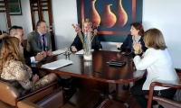Reunión entre la Gobernadora y la Ministra de Justicia.