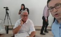 Carlos Caicedo (derecha) instaló el primer comité de seguimiento al PAE, a través de un selfie-streaming.