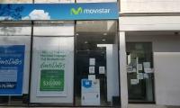 Oficina de Movistar cerrada.