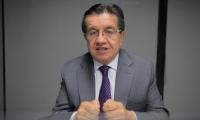 Fernando Ruiz, ministro de Salud.