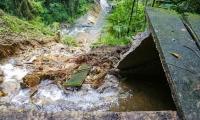 El derrumbe bloqueó el acceso al agua que capta la Planta del Río Piedras.