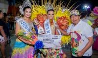 La actual reina de los Carnavales de Pescaíto fue la encargada de imponer la corona