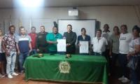 El pacto por la convivencia se firmó en el barrio Pescaíto.