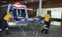 Este es el momento en que Luis Jiménez Vargas, herido en la pantorrilla, fue ingresado al centro asistencial.