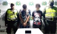 Capturados por robar celular en Santa Marta.