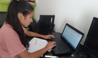 Los aprendices se apoyan en las plataformas virtuales de aprendizaje diseñadas por Territorrium.