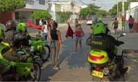 Imagen de referencia - personas en calles de Santa Marta.