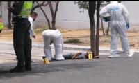 La víctima recibió varios disparos.