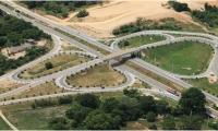 El corredor vial Ruta del Sol 3 conecta el centro del país con la costa Norte y ya registra un avance del 33,03 por ciento.