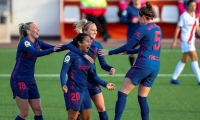 Leicy Santos celebrando su gol.