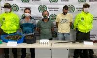 Las autoridades señalaron que alias 'Pitillo' presenta antecedentes por el delito de amenazas y alias 'Escalona' por tráfico, fabricación y porte de estupefacientes.