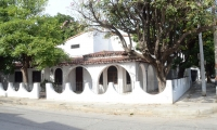 La casa se encuentra ubicada en la urbanización Riascos.