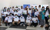 Estudiantes beneficiados en Puebloviejo.